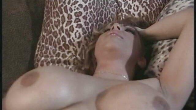 El videos caseros teniendo sexo inquilino me chupa tan bien que me caigo de la cama