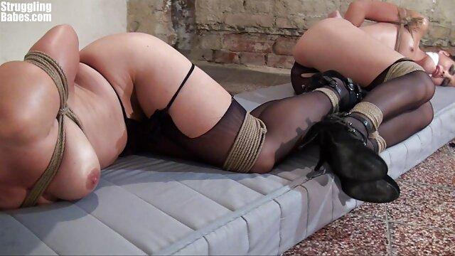 Modelo virgen ama el primer cexo casero sexo en casa